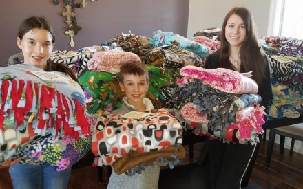 Washington Co. 4-H'ers make, donate 150 blankets to children's hospital